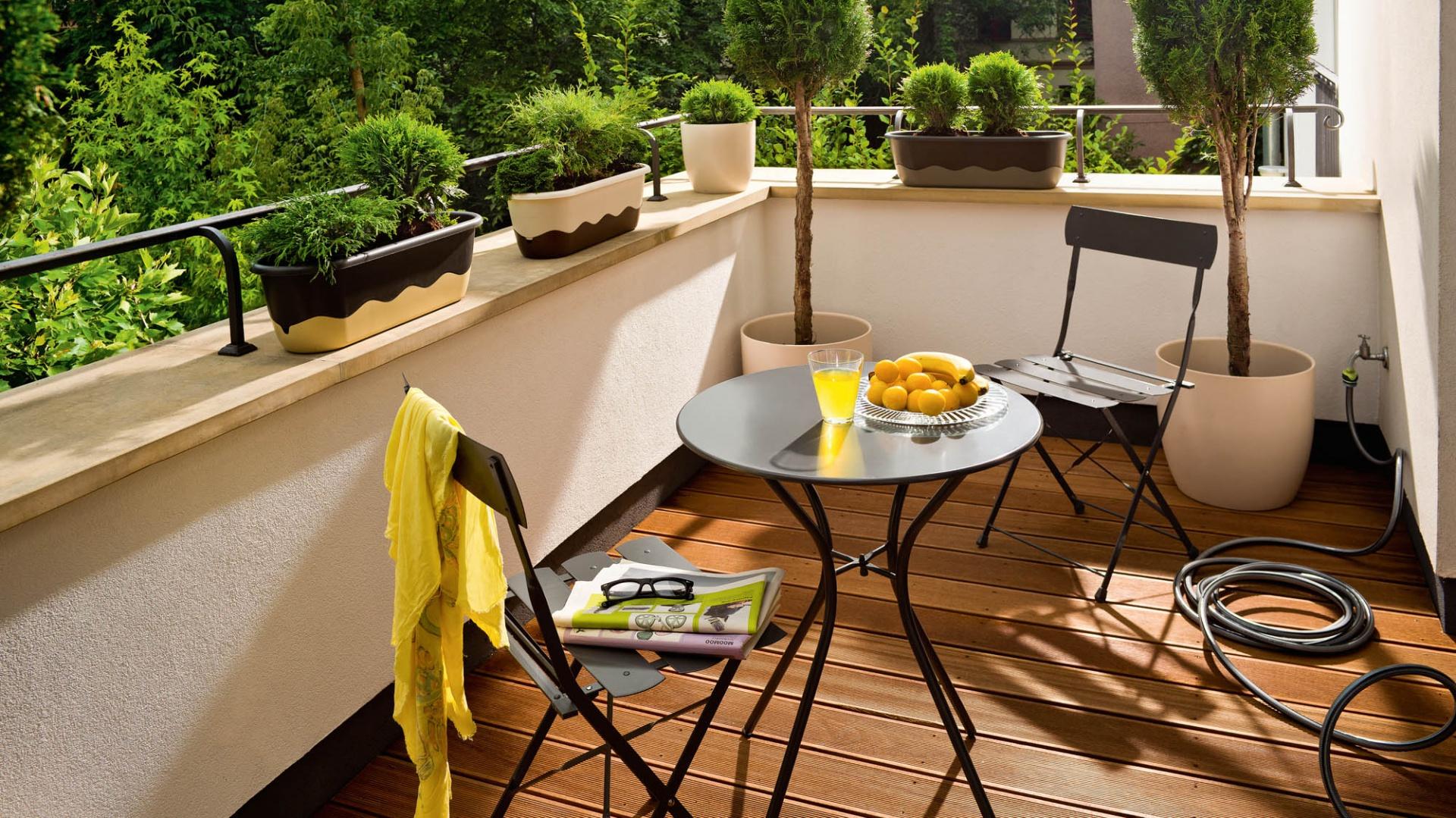 nowoczesny metalowy zestaw ma y balkon pomys y na aran acj strona 4. Black Bedroom Furniture Sets. Home Design Ideas