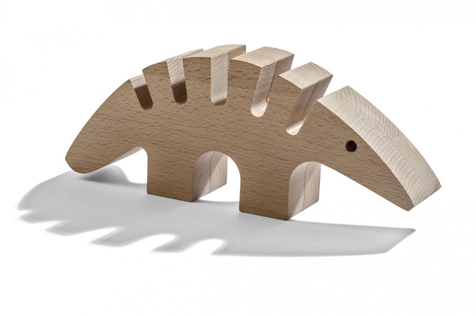 """Produkty marki WellDone to wykonywane są z naturalnych materiałów, jak drewno. Fot. Fundacja Rozwoju Przedsiębiorczości Społecznej """"Być Razem"""", marka WellDone."""