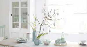 Wielkanocne ozdoby można z łatwością zrobić samodzielnie. Prezentujemy cztery oryginalne pomysły na dekoracje z instrukcją krok po kroku.