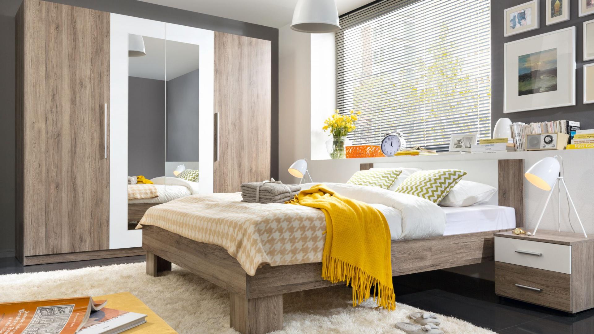 Meble do sypialni Martina marki Black Red White z silnym wpływem stylu modern pomogą w kreacji przestrzeni idealnej do odpoczynku. Najmodniejsze zestawienie kolorystyczne ciepłego wybarwienia drewna z ponadczasową bielą. Fot. Black Red White.