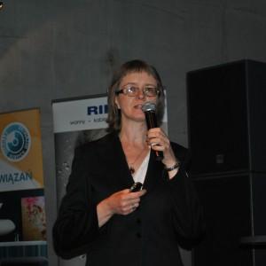 """Małgorzata Nietupska - redaktor magazynu """"Świata łazienek i kuchni"""" prowadziła cykl wykładów poświęconych kuchniom. Fot. Judyta Kokoszkiewicz."""