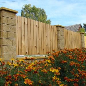 Ogrodzenie GORC są niezwykle trwałe dzięki technologii Vibro Technology. Wytrzymałość i solidność to cechy, dzięki którym będziemy cieszyć się ogrodzeniem przez długie lata. Fot. Joniec.