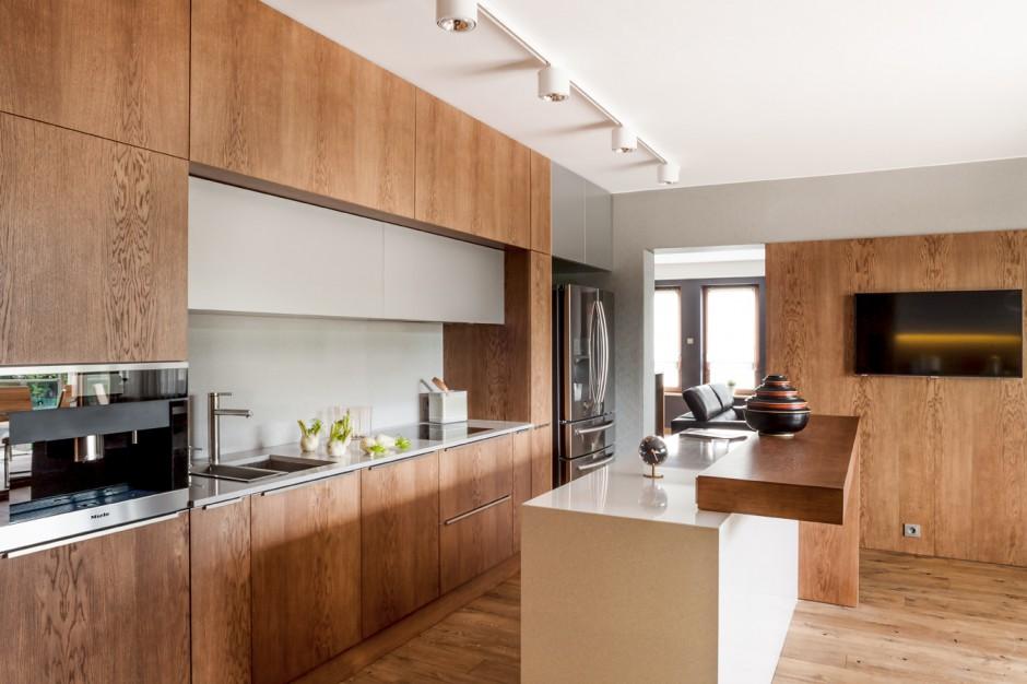 Górna zabudowa to dwa rzędy Górna zabudowa w kuchni