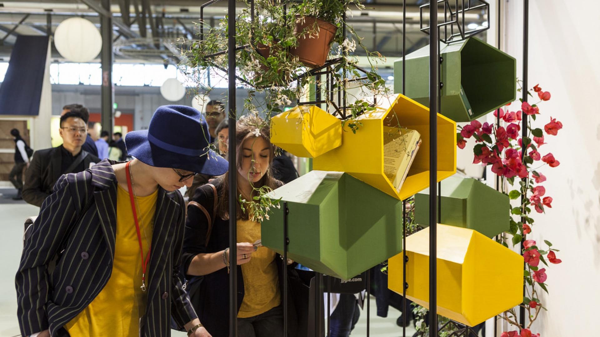Targi iSaloni 2015, wystawa młodych designerów SaloneSatellite. Fot. Andrea Mariani