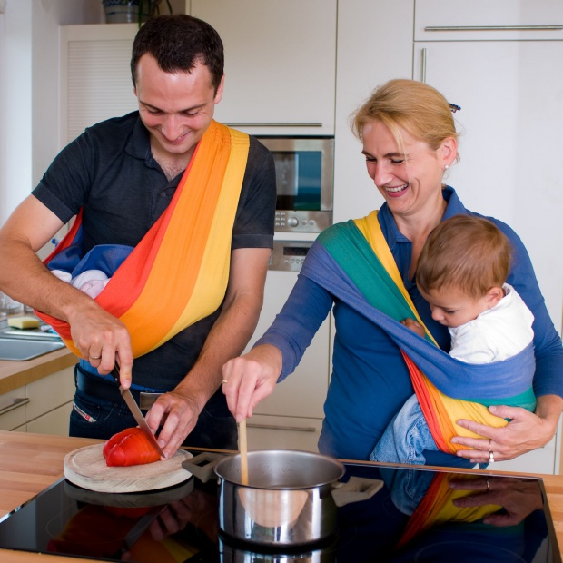 Noszenie dziecka. Praktyczna chusta do domu i na spacer