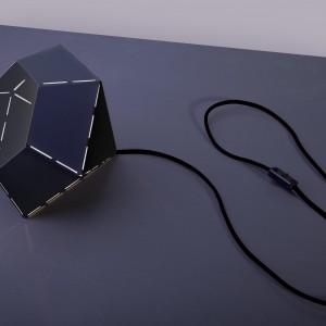 Polska firma, produkująca dekoracyjne oświetlenie Nowodvorski zaprezentowała najnowsze projekty. Wśród nich futurystyczna lampa End. Fot. Nowodvorski.