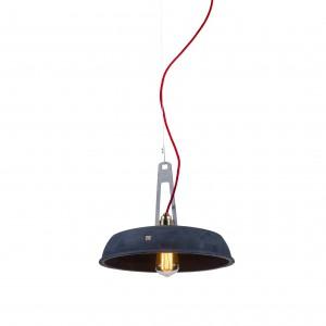 Lampa Industriola to nietuzinkowy projekt Marcina Boratyna dla Loftlight. Wykonana z betonu, zdaje się przełamywać prawa grawitacji. Fot. Loftlight.