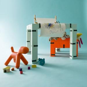 """Podczas Milan Design Week odbywało się wiele wystaw, wśród nich również polski projekt """"Do it yourself. Polish Design in Pieces"""". Goście mieli okazję obejrzeć nową kolekcję Oskara Zięty, wykonaną z... drewna. Fot. Zieta Prozessdesign."""