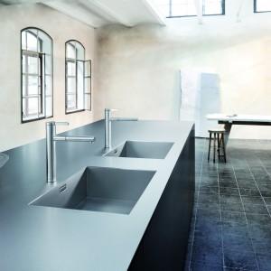 Blat Durinox wykonany ze stali szlachetnej. Idealnie podkreśla nowoczesną, lekko industrialną estetykę kuchni. Jest przy tym wyjątkowo trwały i odporny na uszkodzenia. Fot. Blanco.