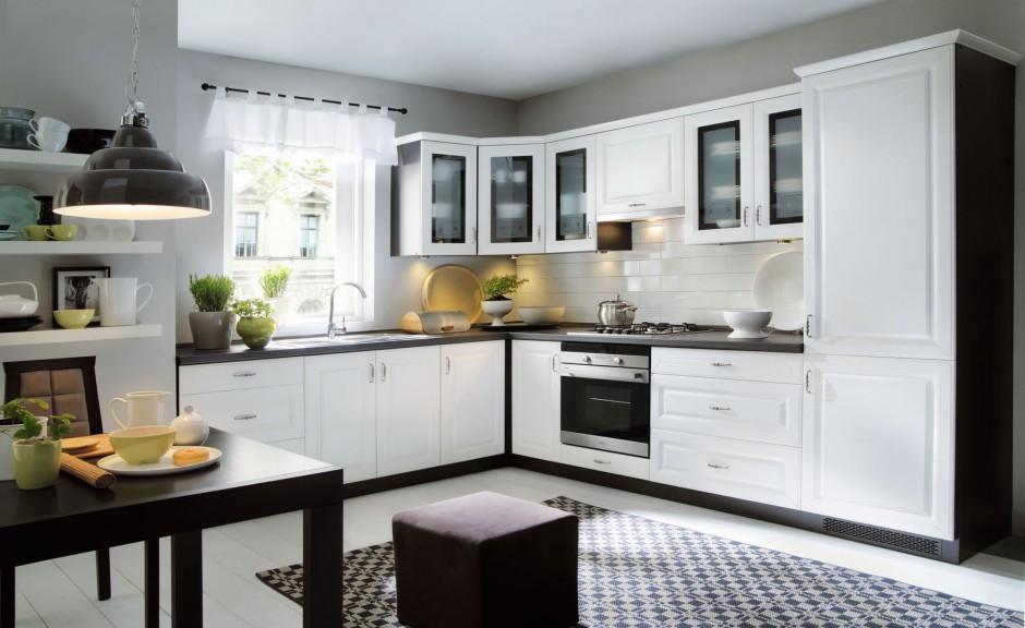 Piękna klasyczna kuchnia z Biała kuchnia z czarnym   -> Kuchnia Wenge Z Czarnym Blatem