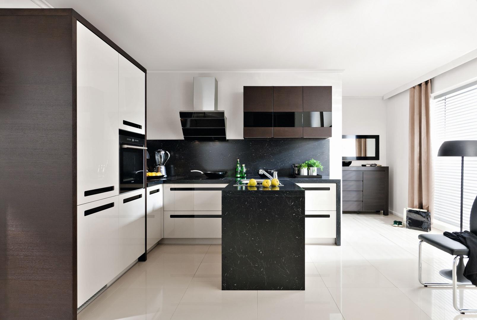 Biel i czerń można łączyć z Biała kuchnia z czarnym   -> Kuchnia Biala Z Czarnym