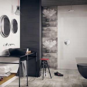 Linia Manteia marki Pradyż to płytki łazienkowe z pastelowym motywem lilli wodnej dostępne w kolorach białym, beżowym oraz grafitowym. Lekko postarzany wygląd płytek nada łazience charakteru. Fot. Paradyż.