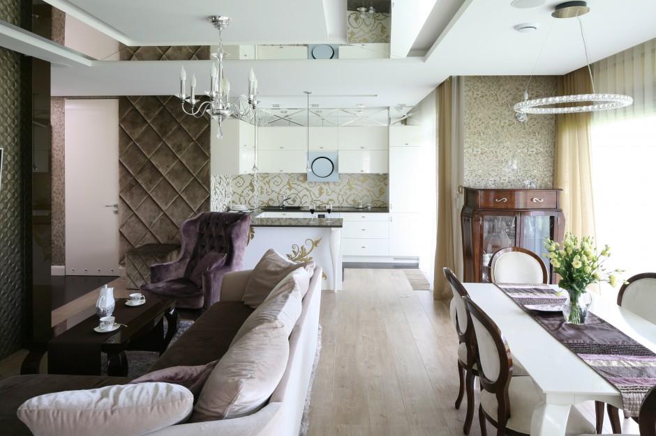 W całej strefie dziennej Kuchnia w stylu glamour Inspiracje z polskich   -> Kuchnia W Stylu Glamour Galeria