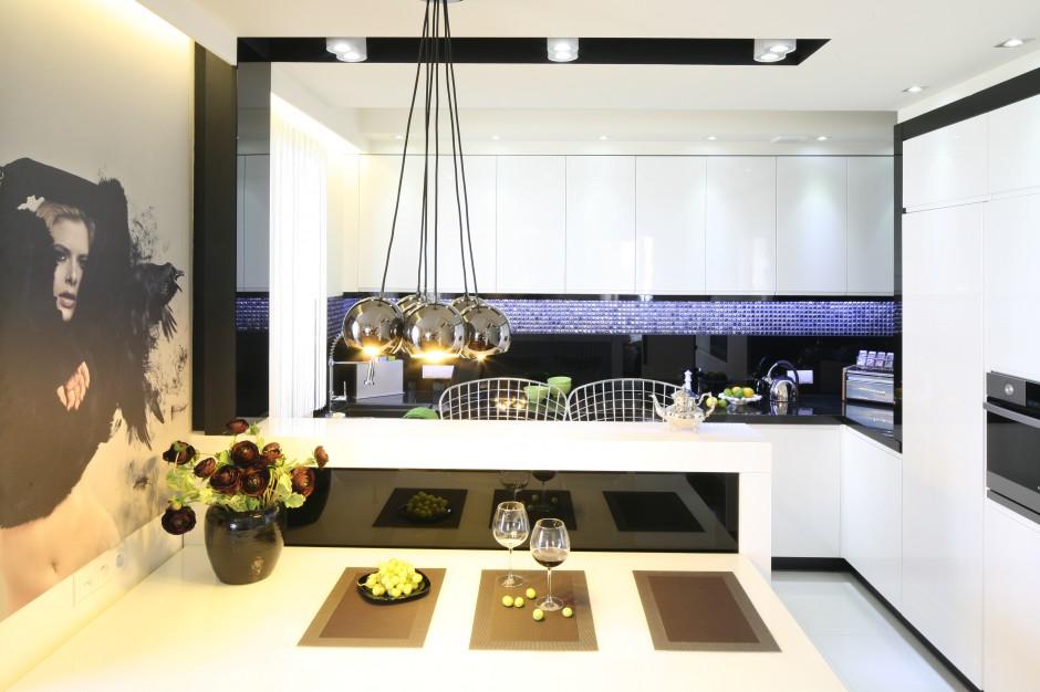 Ścianę nad blatem Kuchnia w stylu glamour Inspiracje z polskich domów -> Kuchnia W Stylu Glamour Galeria