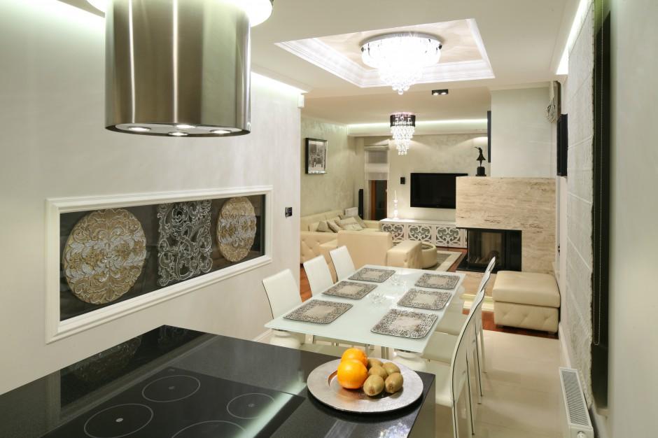 Nad jadalnią i w dalszej Kuchnia w stylu glamour Inspiracje z polskich   -> Kuchnia W Stylu Glamour Galeria