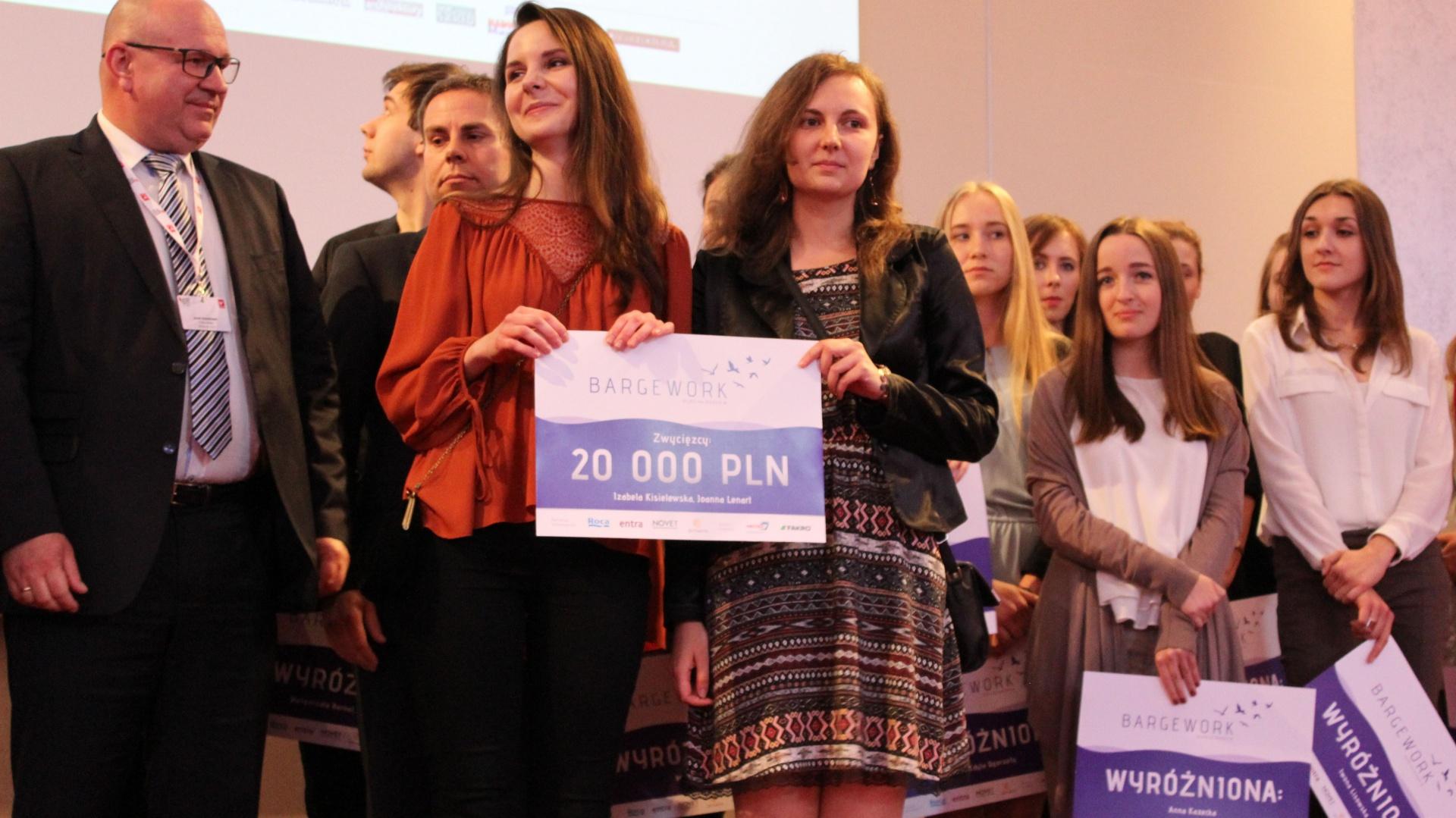 Joanna Lenart i Izabela Kisielewska, zdobywczynie głównej nagrody w konkursie. Fot. Arkadiusz Kaczanowski