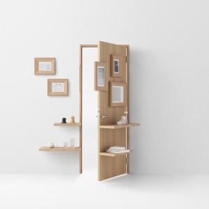 Będący częścią kolekcji model Wall, łączy w sobie funkcję drzwi i ściany, pozwalając na wpasowanie w istniejące ramki obrazków i zdjęć, a także pełni rolę półki. Fot. Akihiro Yoshida.