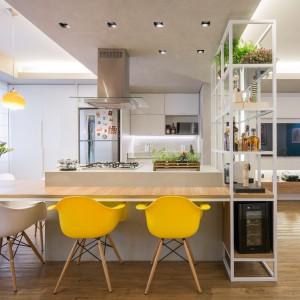 Nowoczesne wnętrze: funkcjonalne mieszkanie dla młodych