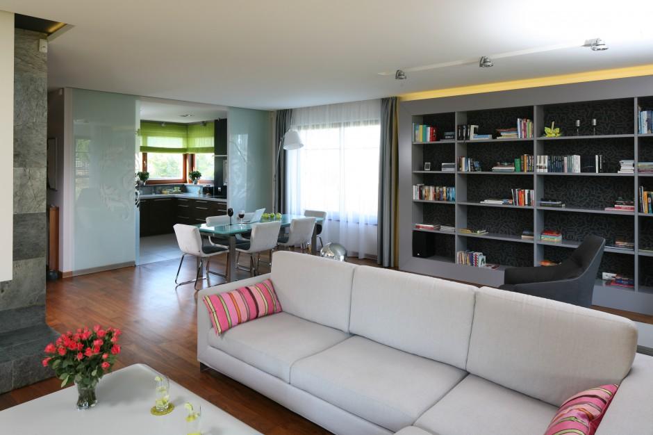 Częściowo otwartą kuchnię Kuchnia otwarta na salon Aranżacje, które cię   -> Kuchnia I Salon Aranżacje