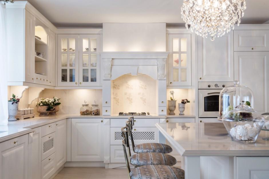 W tej pięknej kuchni, Kuchnia w stylu klasycznym Tak   -> Kuchnia Czarno Ecru