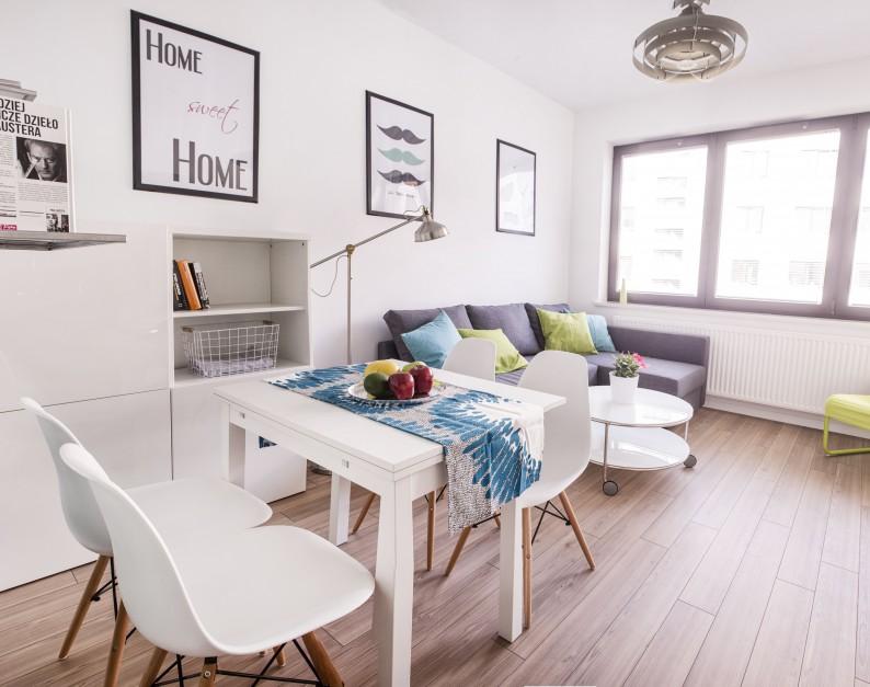 Zabudowa w salonie ma Małe mieszkanie w Warszawie Nawet 26 metrów da si   -> Otwarta Kuchnia Male Mieszkanie