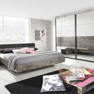 Modna sypialnia. Świetne pomysły na szafę z lustrem