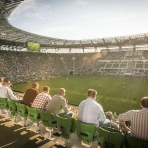 Stadion może pomieścić 42 771 kibiców. Wszystkie miejsca są siedzące i zadaszone. Fot. Stadion Wrocław.