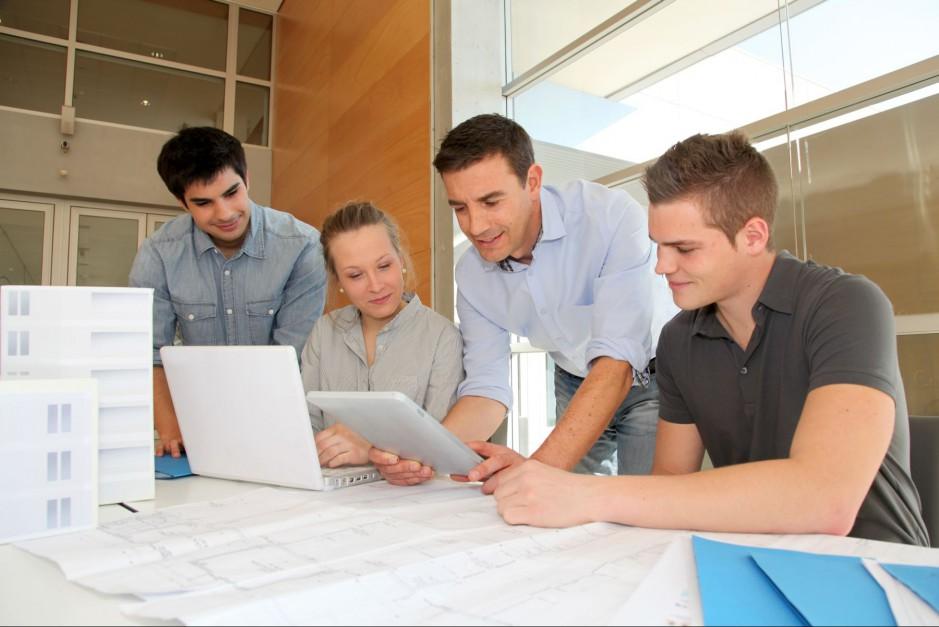 Zapraszamy na Studio Dobrych Rozwiązań. Fot. Shutterstock.