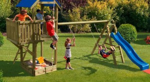 Planując ogród powinniśmy pamiętać o najmłodszych. Warto specjalnie dla nich przygotować mały plac zabaw. Pomoże w tym szeroka oferta produktów dostępna w sklepach.<br /><br />