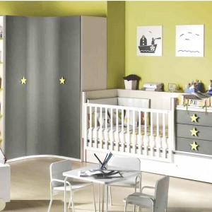 Pokój dziecka powinien być ciepły i wesoły. Jasne, pastelowe barwy ścian powiększą nawet najmniejszy pokój dziecka oraz nadadzą mu przyjazny wygląd. Fot. Ros.