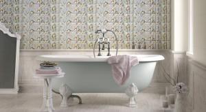 Dekoracyjne łazienki w stylu retro to ciekawy pomysł na urządzenie ponadczasowego wnętrza. Stylizowane meble, ceramika i armatura, kolorowe okładziny ścienne, dodatki dobrane z wielką starannością – zobaczcie inspirujące aranżacje łazienek.