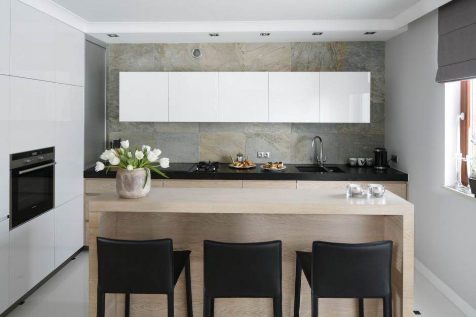 Cian nad blatem a do szare ciany w kuchni 15 for Prix cuisine 12m2
