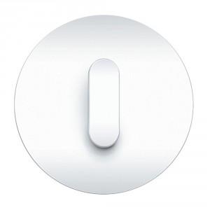 Seria Berker R.classic. Ramka z tworzywo w białym kolorze, klawisz z tworzywa w białym połysku. Fot. Hager.