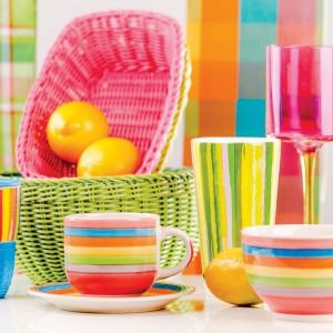 Kolekcja Picnic to kolorowe naczynia, tkaniny i akcesoria. Fot. Home & you.
