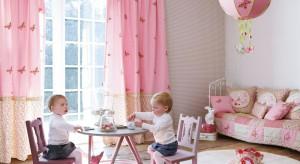 Chyba każda z nas marzyła swego czasu o pięknym, różowym pokoju. Zobaczcie, jak można urządzić wnętrze skąpane w tym dziewczęcym kolorze.
