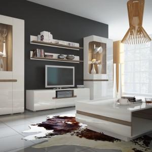 Meble z kolekcji Linate łączą elegancką biel z drewnianymi elementami. Fot. Meble Wójcik.