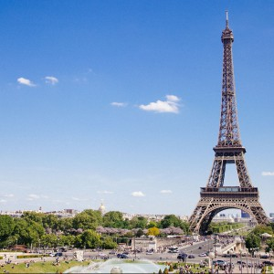 Wieża Eiffla w Paryżu przechodzi renowację