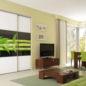 Kolorowe szkło to sposób na ciekawe zaaranżowanie wnętrza