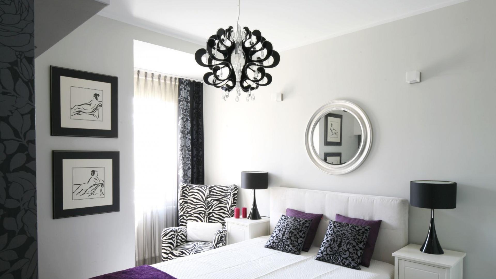 Dwie, czarno-białe grafiki... | Mała sypialnia. Zobacz jak ...