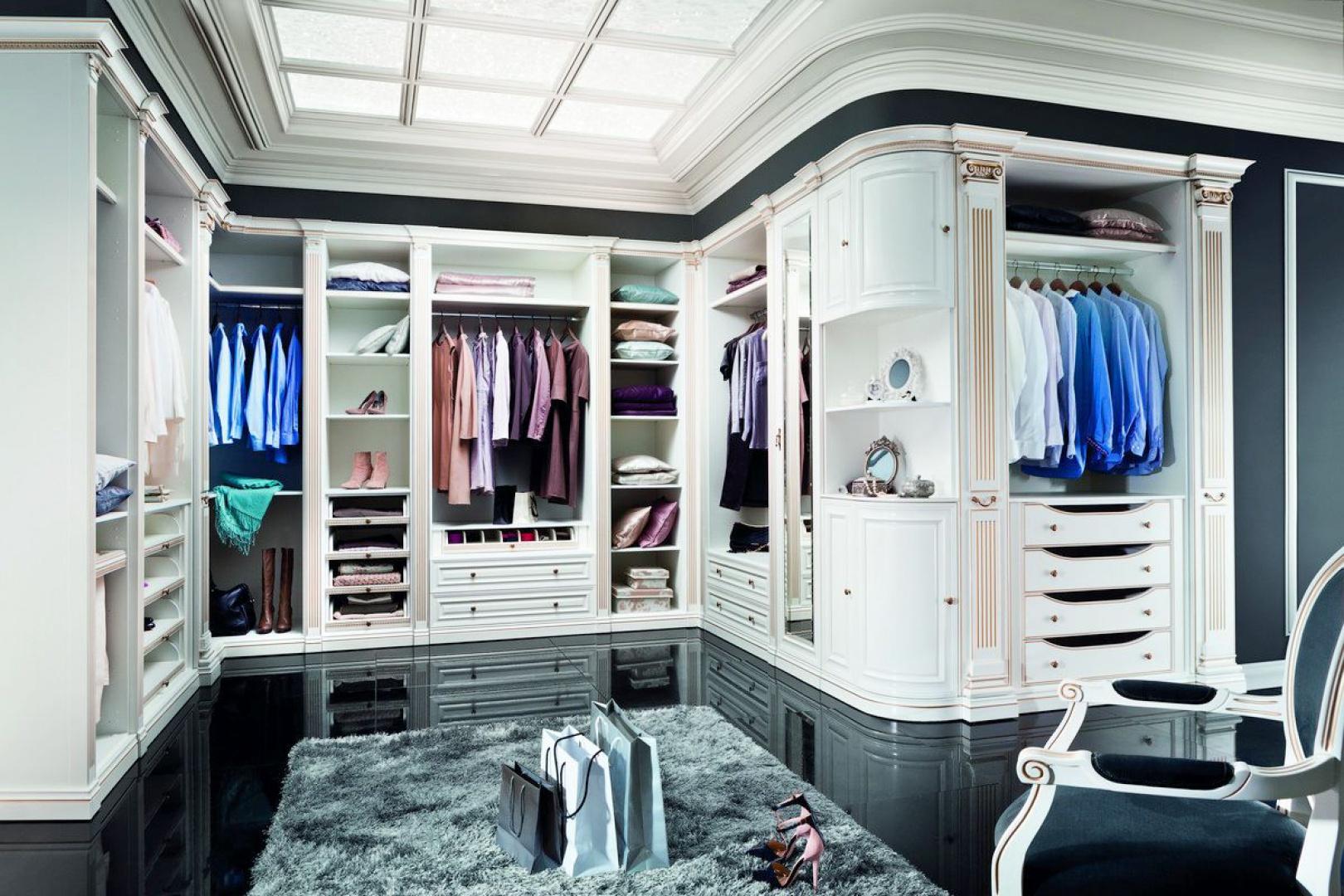 Garderoba Verona marki Taranko to świetne rozwiązanie dla wszystkich ceniących porządek. Jej wnętrze została bardzo funkcjonalnie zagospodarowane. Fot. Taranko.