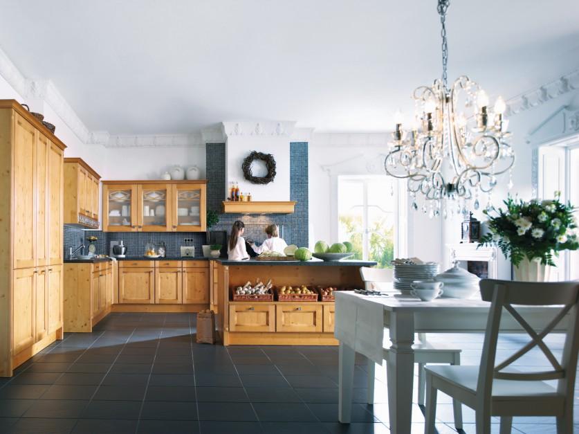 klasyczna kuchnia w kolorze przytulna kuchnia postaw. Black Bedroom Furniture Sets. Home Design Ideas