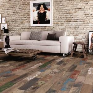 Płytki w stylu vintage imitujące drewnianą podłogę z kolekcji Urales marki Bestile. Fot. Bestile.