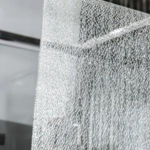 Specjalne szkło ScreenGuard utrzymuje tafle w jednym kawałku  w przypadku uszkodzenia szyby kabiny. Fot. Koło.