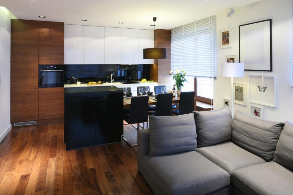 W otwartej kuchni zabudowa Salon z kuchnią 20   -> Meble Kuchnia Salon