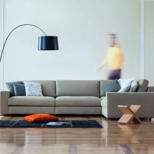 Classic to sofa modułowa o prostym, klasycznym designie. Design jest ponadczasowy i powielany przez najlepszych na świecie producentów mebli. Fot. Le Pukka.