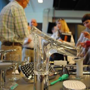 Na stoisku Hansgrohe zaprezentowano m.in. baterię ze szklaną wylewką Axor Starck V.