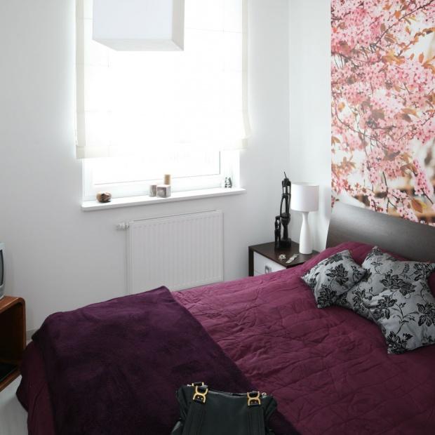 Mała sypialnia. Tak ją optycznie powiększysz