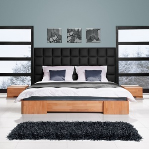 Bukowe łóżko Bit z panelem ściennym to ciekawa propozycja do sypialni. Fot. Beds.