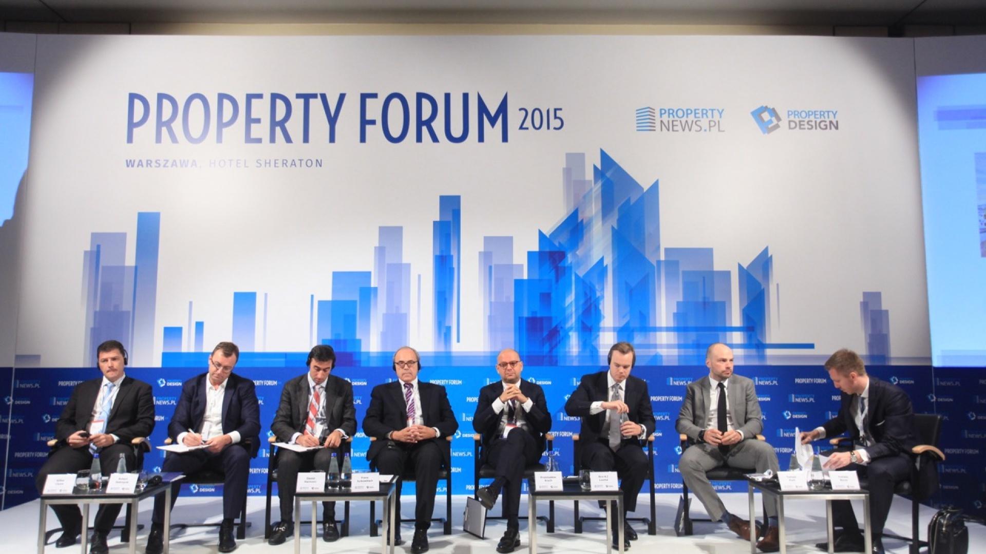 W obliczu ostatnich wydarzeń w Chinach i sytuacji na światowych  giełdach jedyną pewną alternatywą dla inwestorów pozostają  nieruchomości – uważają uczestnicy sesji inauguracyjnej piątej  edycji Property Forum. Fot. PWPT