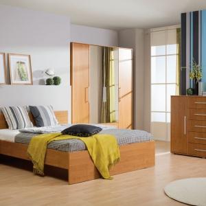 Modna sypialnia. 12 przytulnych propozycji w drewnie
